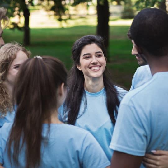 https://fincavalleabedules.com/wp-content/uploads/2020/07/meeting-of-young-volunteers-team-in-park-VHCSZFP-540x540.jpg